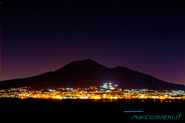 Vesuvio by night